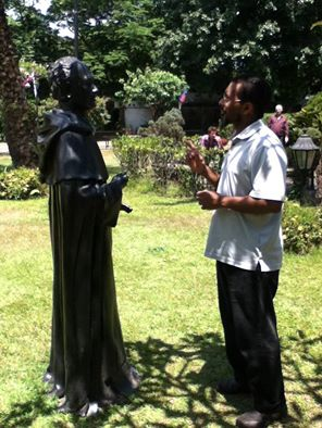 kamal and the statue
